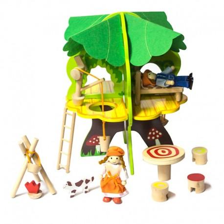 Casita Arbol de madera y personajes.