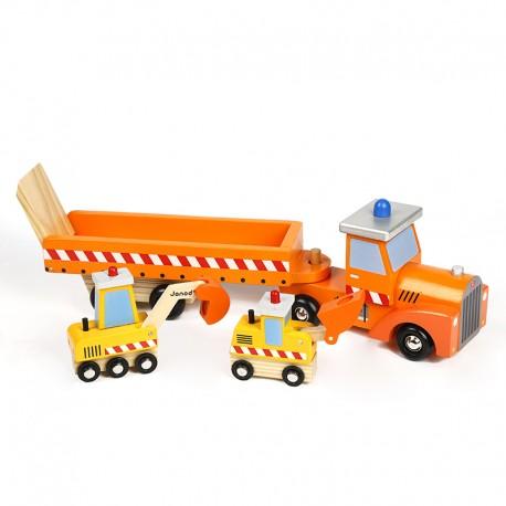 Camion constructor con remolque.